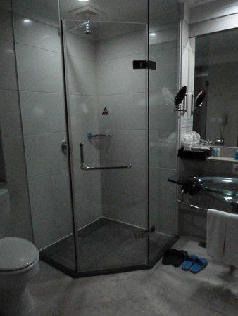 Hua Sheng Hotel : rain shower