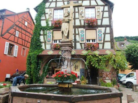 Le centre ville picture of village de kaysersberg for Hotels kaysersberg