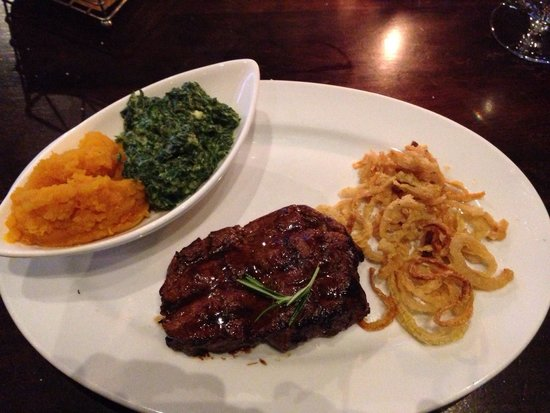 Tribes African Grill & Steakhouse: Filet steak with veggies