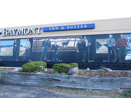 Baymont Inn & Suites Ludington: outdoor portrait