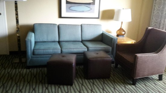DoubleTree Suites by Hilton Orlando - Disney Springs Area: Living area