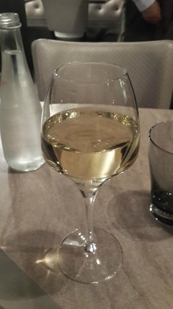 Chez Grenouille: Wine