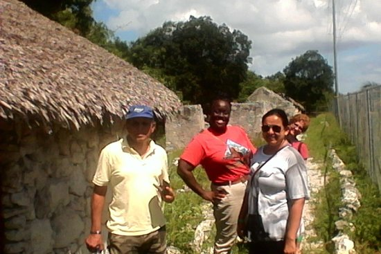 Clifton Heritage National Park: Guide learning spanish