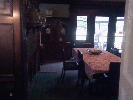 Longwood Inn : Dining area