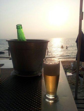 Viana Praia e Restaurante Ilhabela Brasil: Excelente para um fim de tarde