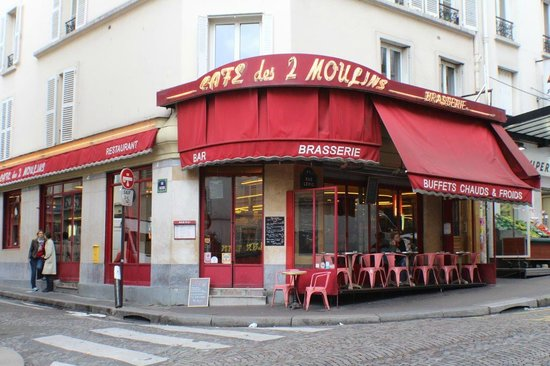 cafe des deux moulins fotograf a de cafe des deux moulins. Black Bedroom Furniture Sets. Home Design Ideas
