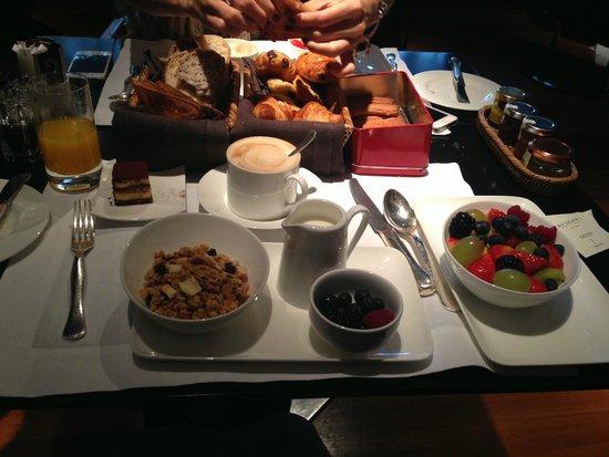 Bulgari Hotel Milano: такой вот завтрак вкусный