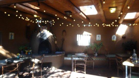 Santa Fe Motel and Inn: outside breakfast room