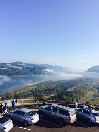 Sea to Summit Tours & Adventures: Vista House at Crown Point