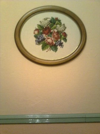 Pension Nürnberger Eck: typical wall decor in the hotel
