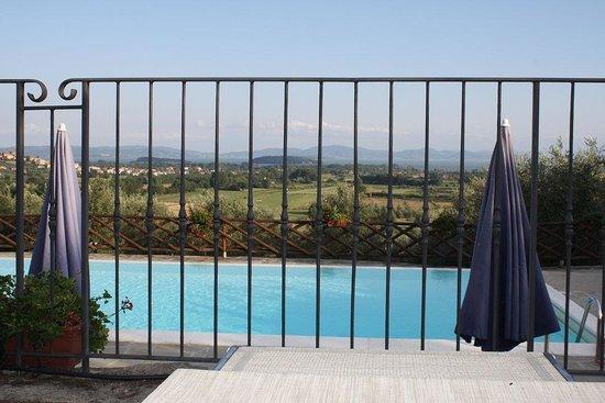 Agriturismo Annibale: Panorama dalla piscina