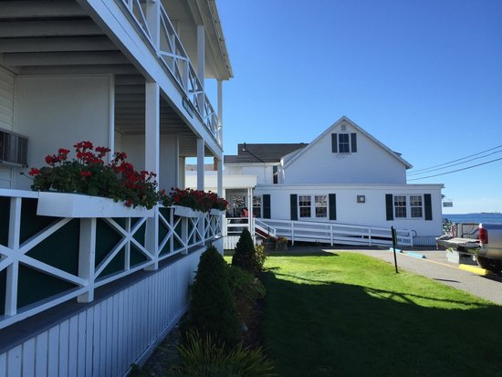 Ocean Point Inn and Resort : Buildings