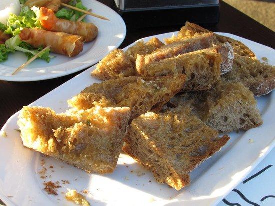 La Bodeguilla de San Roque: Garlic bread