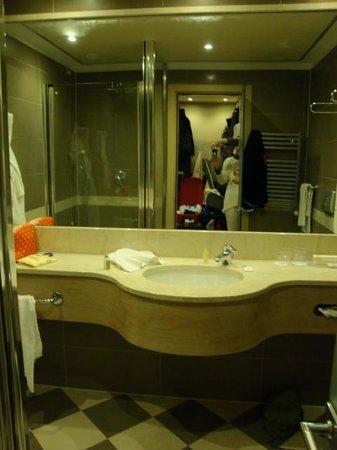 Hotel Cruise: baño