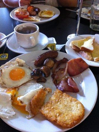 Song Hotel Sydney: Breakfast upgrade worth it!