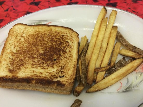Fall River, KS: Grilled Cheese & Fries