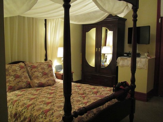 Greens of Leura Bed and Breakfast : Quality Federation furnishings