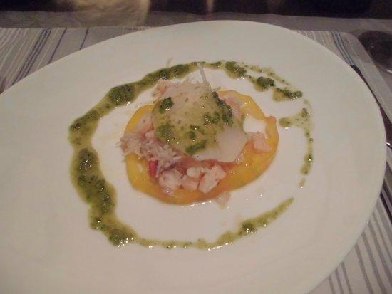 Fresne-la-Mere, France : Crab and Shrimp appetiser.