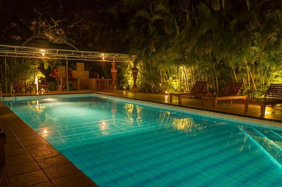 Hotel La Rosa de America: Come for a swim in the evening
