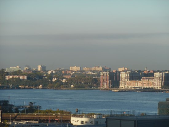 Magnuson Convention Center Hotel: View of Hudson River