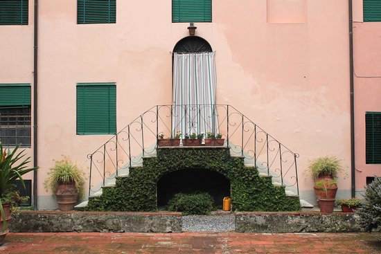 San Martino in Freddana, Italia: Cortile interno 2
