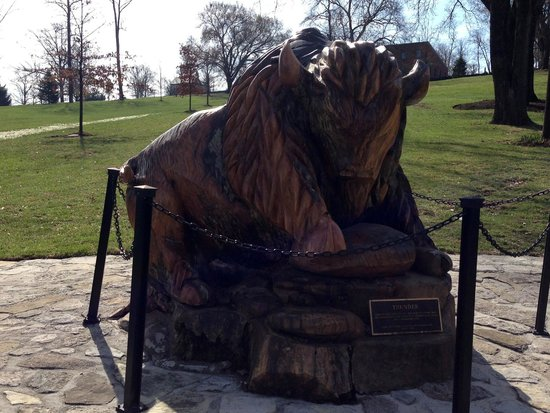 Kentucky: Buffalo Trace Carving