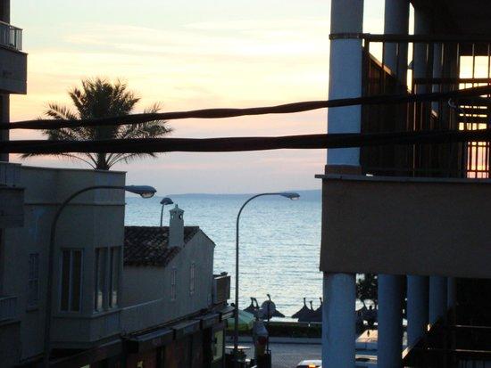 Iris Hotel: Blick vom kleinen Balkon