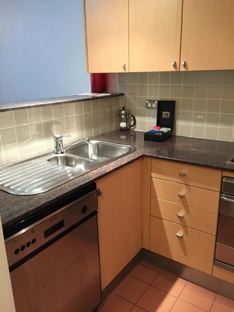 Medina Serviced Apartments Martin Place: Fully equipt kitchen