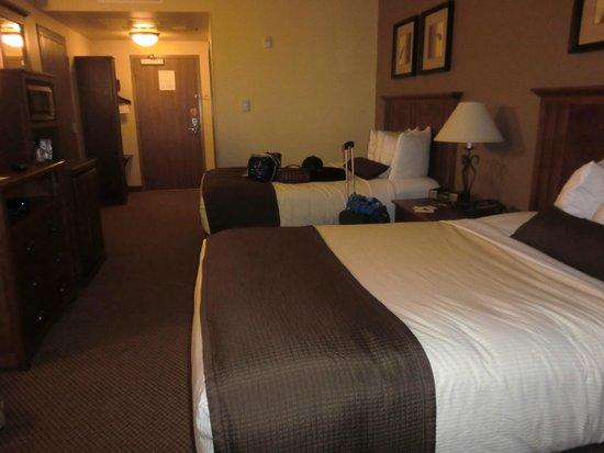 C'mon Inn: Two queen bed room