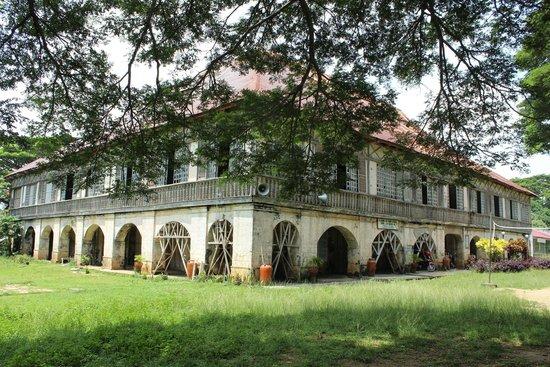Lazi Convent : The convent
