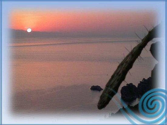 Alba 10 - Picture of B&B La Terrazza sul Mare, Taormina - TripAdvisor