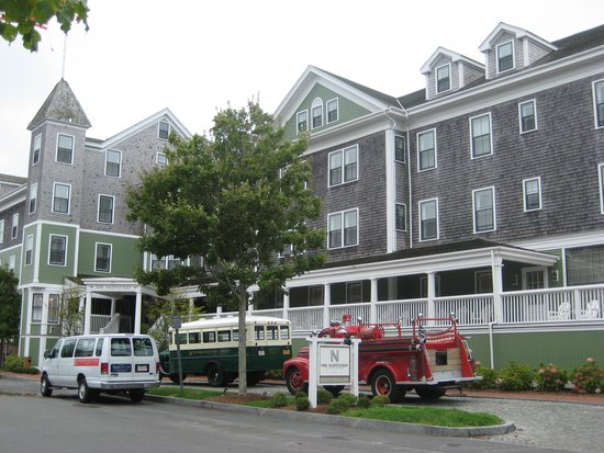 The Nantucket Hotel & Resort: Front of building