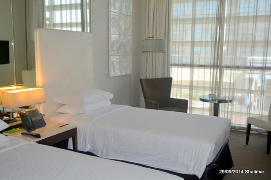 Centro Yas Island Abu Dhabi by Rotana: twin bedroom
