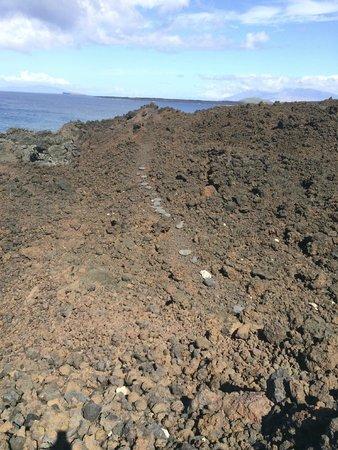 Hoapili Trail: Smooth stones laid for easier trekking