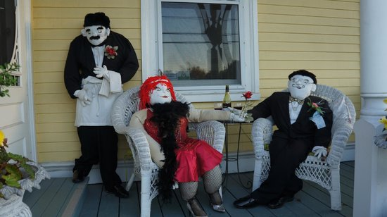 Mahone Bay Bed and Breakfast: B&B Scarecrows