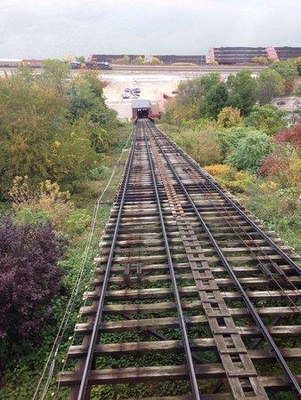 Monongahela Incline: Up the tracks