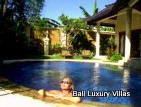 Emerald Villas Updated 2017 Villa Reviews Amp Price