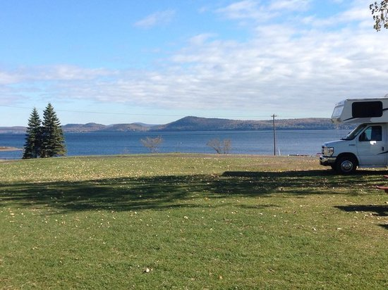 Apple Island Resort: View of Lake Champlain from our campsite