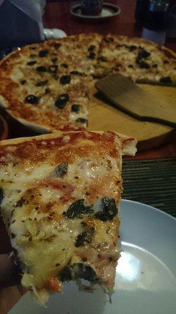 Refugio Romano: Pizza caprichosa
