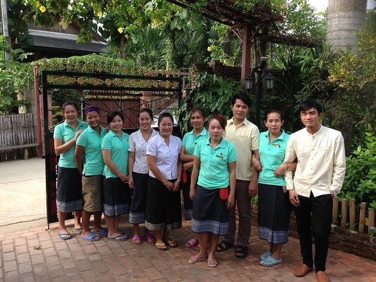 Thongbay Guesthouse : The gorgeous staff that work here