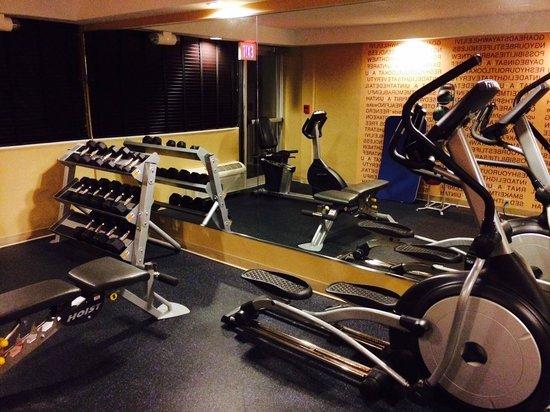 La Quinta Inn & Suites Manchester : a functional gym