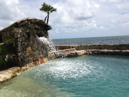 The Landings at Tres Cocos: seawater pool
