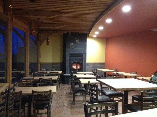Sydney's Frozen Custard: Fireplace in our dining room