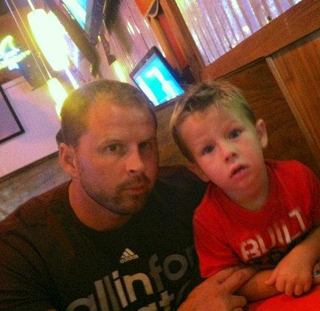 Buffalo Jack's Legendary Wings & Pizza: Cash & daddy