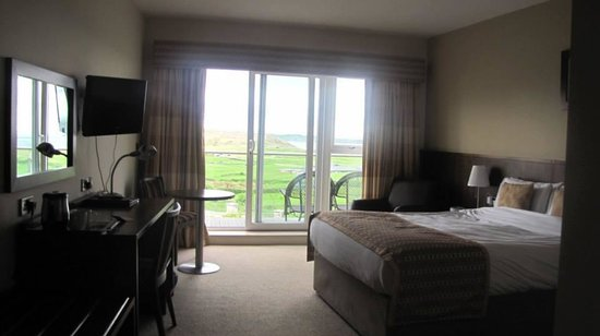 Strandhill Lodge and Suites Hotel: Our room