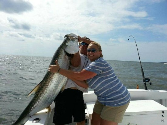 Big red drum picture of bulldog fishing charters hilton for Red fish hilton head