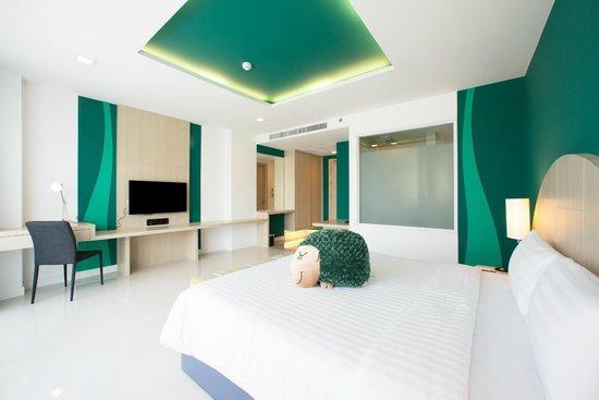 Sleep With Me Hotel: Deluxe Jacuzzi