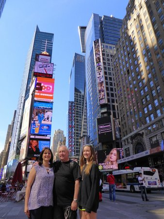 Family In New York : Times Square