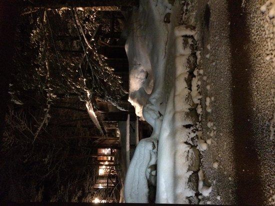 Hirayu Onsen Hirayu no Mori: 3月の終わりでも雪景色の平湯