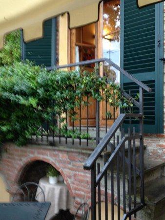 Ristorante Il Goccino: stairs down to terrace